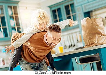 息子, 彼の, うれしい, 人, 遊び, すてきである