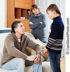 息子, 父, 母, 一緒に, 叱ること