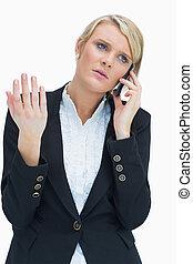 悩まされる, 電話の上の女性