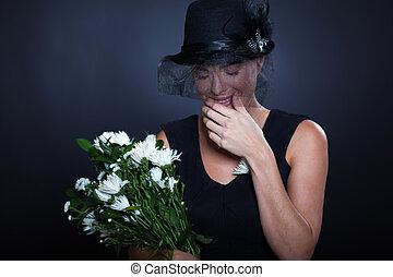 悲哀, 寡婦, 哭泣, 在, 葬禮