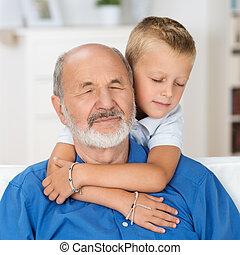情事, 孫, 祖父