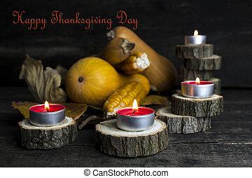 愉快, 感恩, 天, 裝飾, 上, a, 木製的桌子, 由于, 燃燒, 蜡燭, 以及, 南瓜, corncob, 秋季离去, 在, the, 背景
