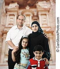 愉快, 穆斯林, 家庭, 在, petra, 約旦