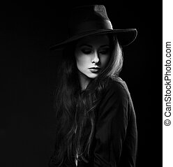 意味深長, 女性, 構造, モデル, ポーズを取る, 中に, 黒いシャツ, そして, 優雅である, 帽子, 上に,...