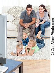 愛らしい, 兄弟, 床, 親, ∥(彼・それ)ら∥, リビングルーム, 監視 テレビ, あること