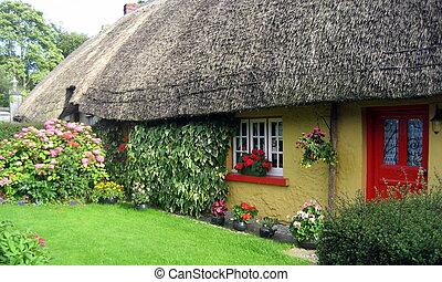 愛爾蘭語, 傳統, 村舍, 房子