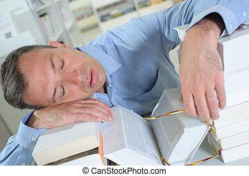 懸命に, 人, 図書館, 仕事