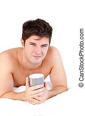 成人, 彼の, カップ, マレ, 保有物, あること, ベッド, お茶, 若い
