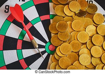 成功, ビジネス, お金, concept., ダート盤, 矢, 金コイン, 赤