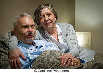成熟的夫婦, 妻子, 支持, 病, 丈夫