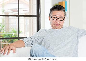成熟50s, asian人, 坐, 在, home.
