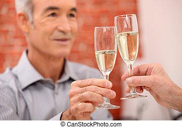 成長した, toasting., 人