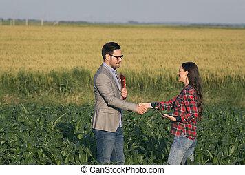 手が震える, 農夫, ビジネスマン