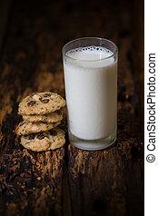 手製, クッキー, ∥で∥, ミルク, 上に, 木製のテーブル, バックグラウンド。, 選択的な 焦点