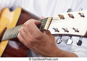 手, 玩, 聲學的六弦琴, 關閉