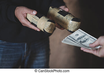 手, ......的, 迷戀者, 人, 由于, 錢, 購買, 劑量, ......的, 可卡因, 或者, 女英雄, 關閉, ......的, 迷戀者, 購買, 劑量, 從, 毒品交易商, 毒品交通, 罪行, 癮, 以及, 銷售, 概念