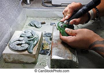 手, ......的, a, 玉, 裝飾, 綠色, 岩石, 雕刻師, 正在工作
