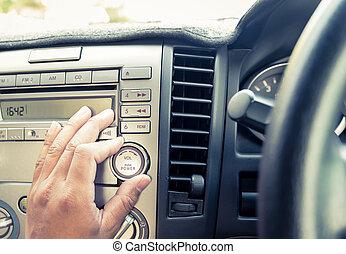 手, 調節しなさい, ボリューム, オーディオ, ボタン, 自動車で