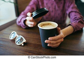 手, coffee., 保有物, 女性, カップ