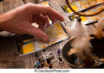 手, tarot カード