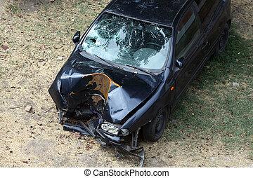 打ち壊された, 自動車