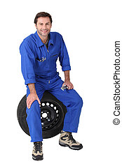 技工, 坐, 上, a, 輪胎
