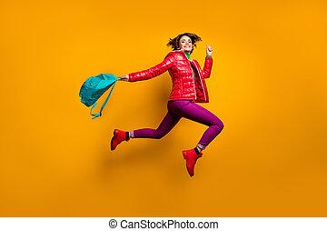 把握, 操業, ズボン, ズボン, ブーツ, 輝きの色, 見なさい, 体, 背景, 明るい, 紫色, 写真, 高く, プロフィール, 青, 最新流行である, 女の子, 学校, 側, フルである, 袋, 講義, 朗らかである, 流行, ジャンプ, 赤, 隔離された, ウエア