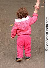 把握, 母, 手, 子供, 公園, 彼の, 歩く