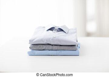 折られる, シャツ, テーブル, 終わり, ironed