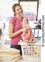 折り畳み式の洗濯所, 女