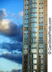 抜粋, 超高層ビル