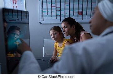 报告, 显示, 成熟, 医生, 医学, 患者, 女性