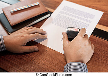押すこと, ビジネスマン, 形態, お金, ローン, インク, 契約, 手, 公衆, スタンパ, appoval, 契約, 文書, notary, concept., シール, 公認