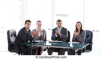 拍手喝采する, の間, プレゼンテーション, businessteam