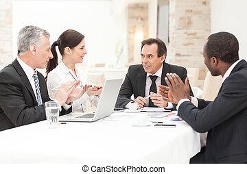 拍手喝采する, ミーティング, ビジネス 人々