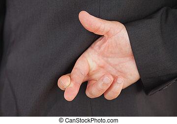 指が交差した
