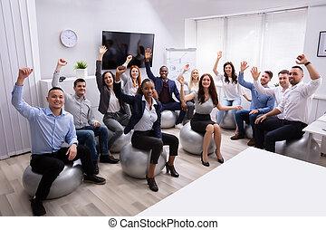 振ること, 幸せ, グループ, businesspeople, 手