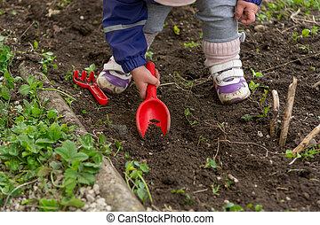 探検, 庭, 春, 助力, 小さい, 女の子, cleaning.