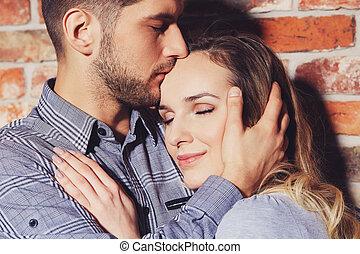 接吻, 女性, 額