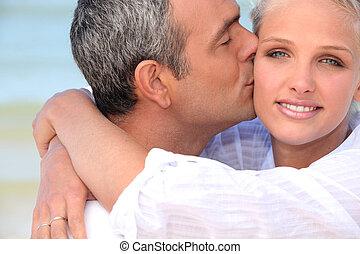 接吻, 恋人, 浜