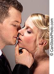 接吻, 恋人, 結婚式, 若い, ウエア