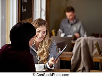 提示, 女, 友人, タブレット, デジタル