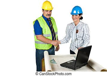 握手, 工程師, 在, 辦公室