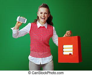 携帯電話, 女性買い物, 提示, 学習者, 袋, 本, 赤