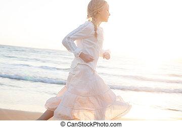 操業, 若い, 動き, sea., 前方へ, 浜, 女の子, 砂