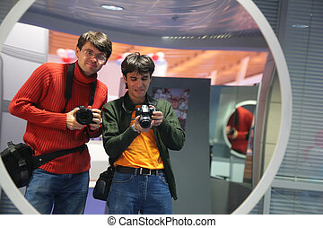 攝影師, 在, 彎曲, 鏡子
