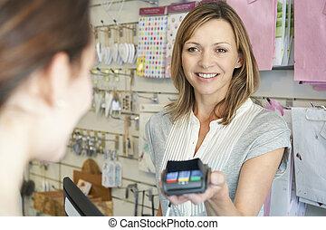 支払う, 商品, 買い物客, 機械, クレジット, 使うこと, カード