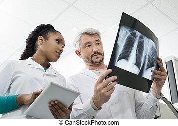 放射線技術者, ∥で∥, x 線, 使うこと, デジタルタブレット, 中に, 病院