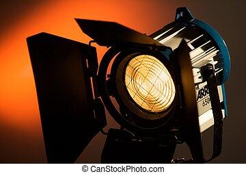 放送, 照明