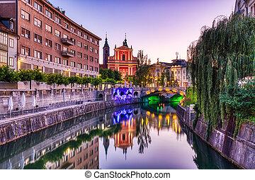 教会, 見落とすこと, 美しい, 夕闇, 川, franciscan, 中心, ljubljana, 都市, ...